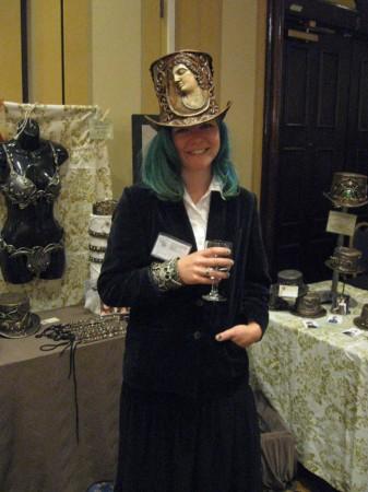 organic_armor_steampunk_top_hat_lynnette