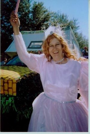 Elizabeth as Glinda the Good Witch